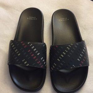Victoria Sport Sandals NWOT Size L